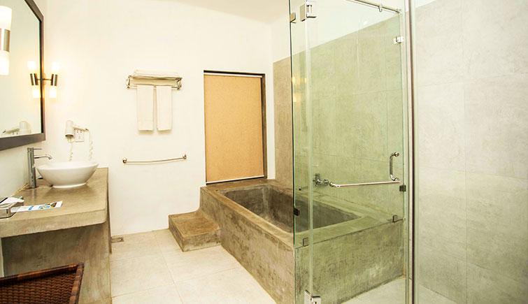 Deluxe-Room-Washroom