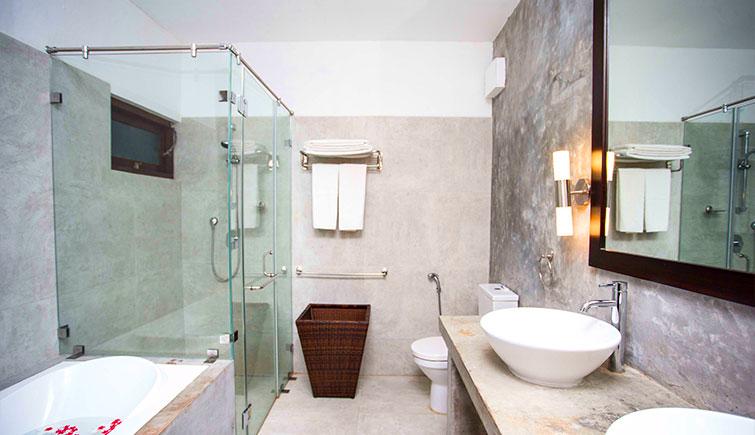 Ranna-Suite-Room-Main-Washroom